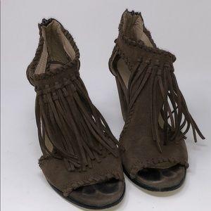 Shoes - Yucca Heel